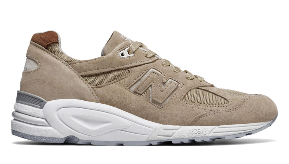 New Balance 990v2 Winter Peaks, Tan with White
