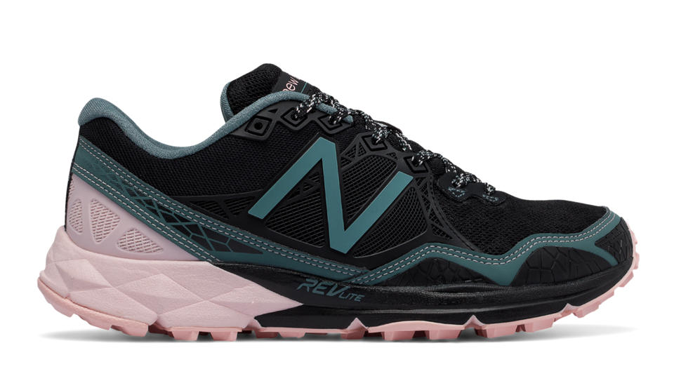 NB New Balance 910v3 Trail, Black with Bleached Sunrise & Alpha Pink