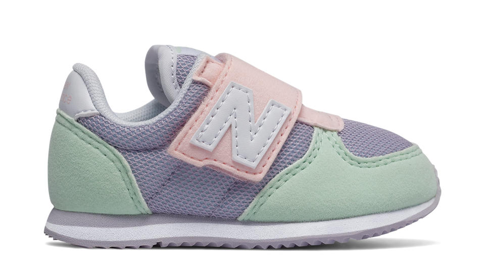 7860eea55ad7c Girls Hook and Loop 220 IN P Lifestyle Shoes | New Balance
