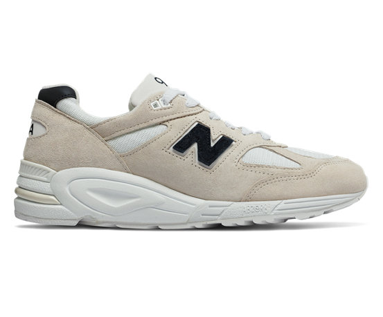 d8eccafb67a NB 990v2 Made in US, Angora with White & Black