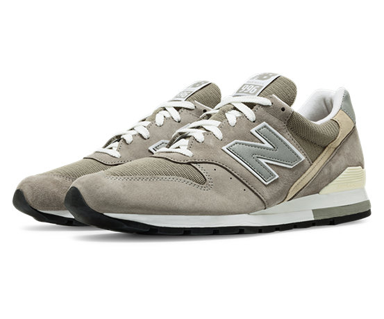 new balance 996 noir et or