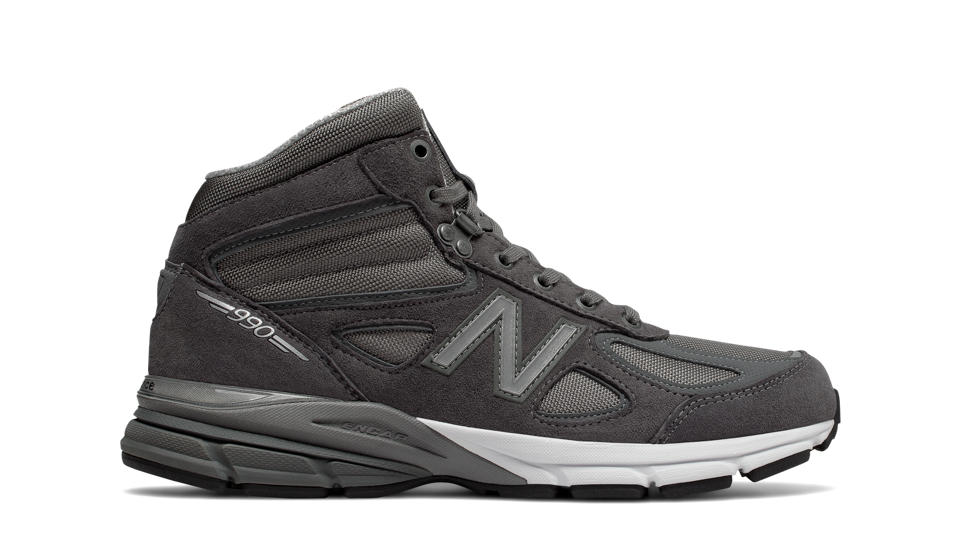 New Balance Made in US 990v4 Mid Black/Grey