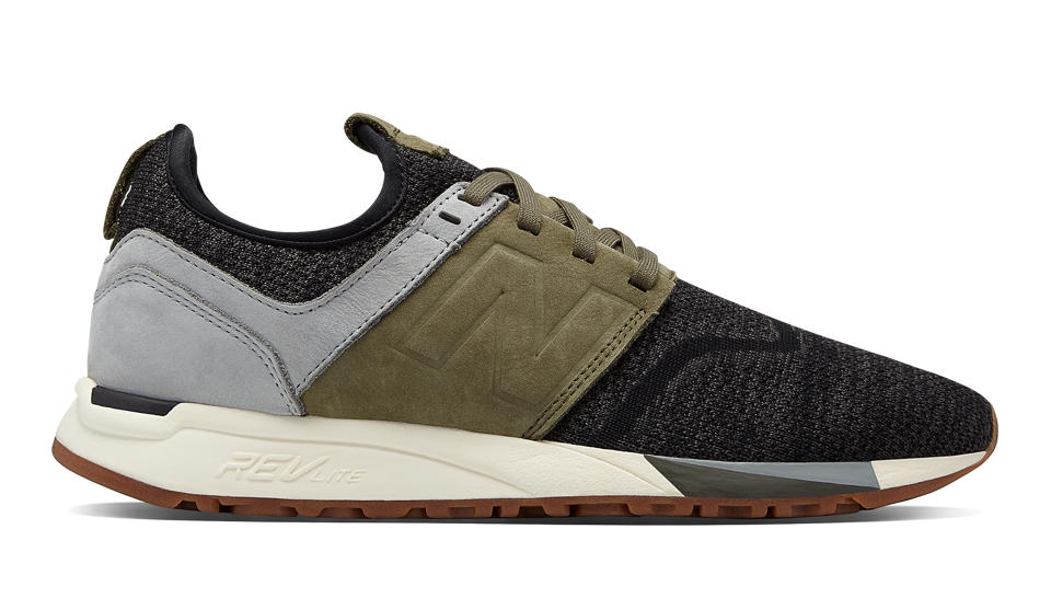 New Balance 247 Luxe, Black with Green