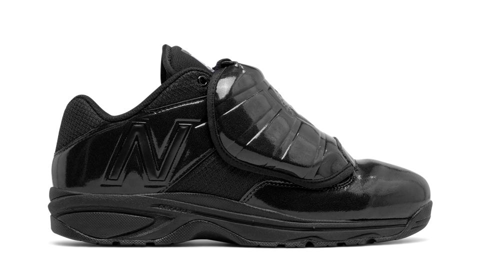 New Balance 460v3 Umpire Black