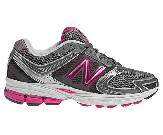 new balance women's sneakers 770
