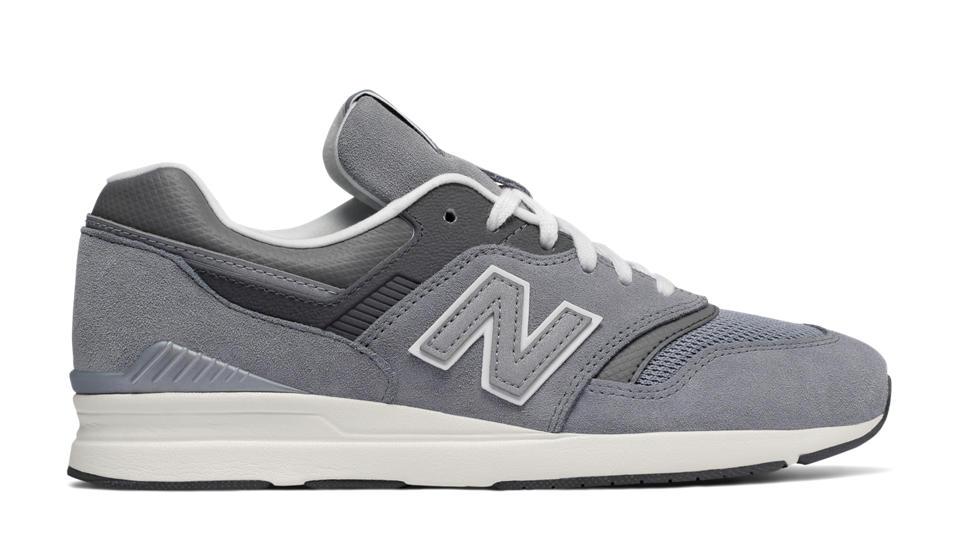 New Balance Women's 697 Shoes Black