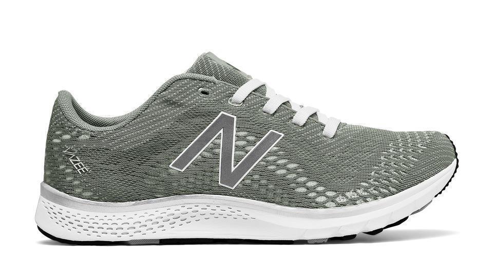 Womens New Balance Vazee Agility Black White Training Shoes Z32359